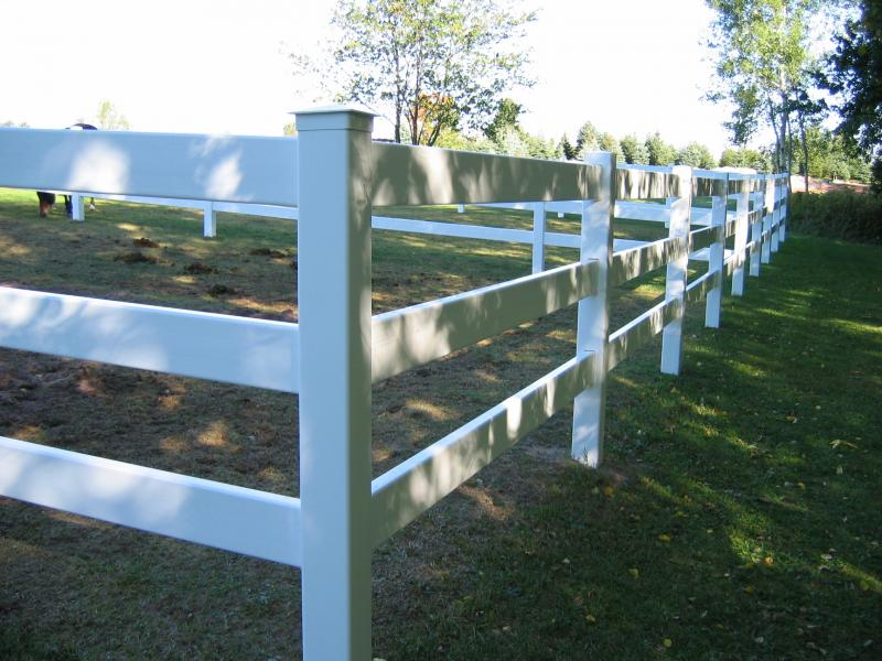 Marquette Fence Co Inc Vinyl